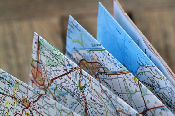 folding-map-360382_640
